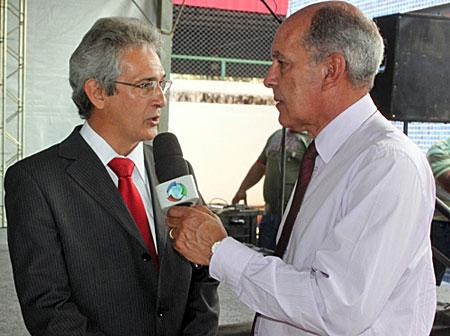 Govenro Municipal anuncia antecipação de salários e décimo terceiro.